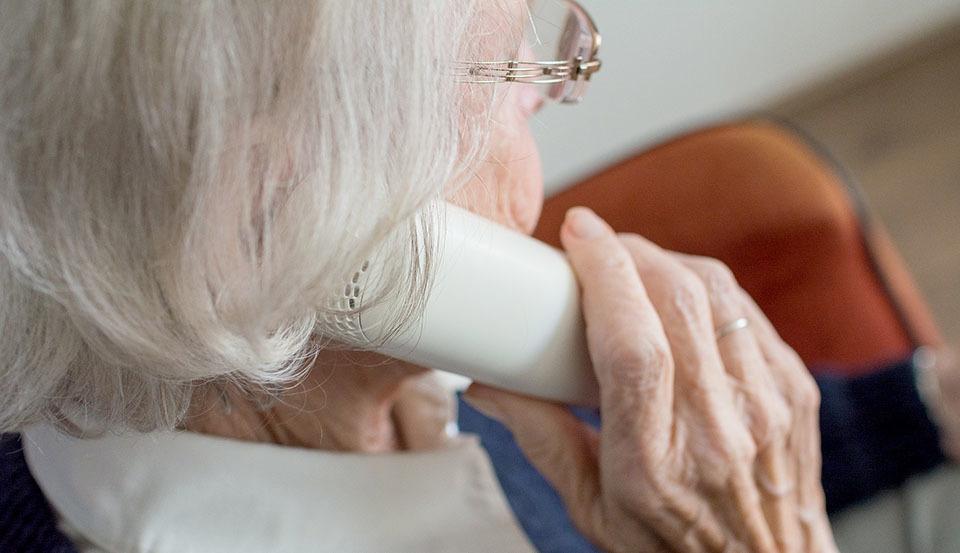 isolement-seniors-960